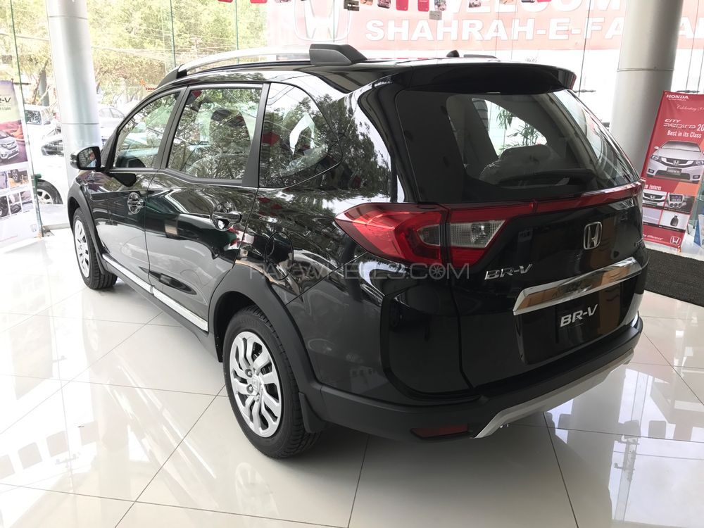 Honda BR-V 2017 for sale in Karachi | PakWheels