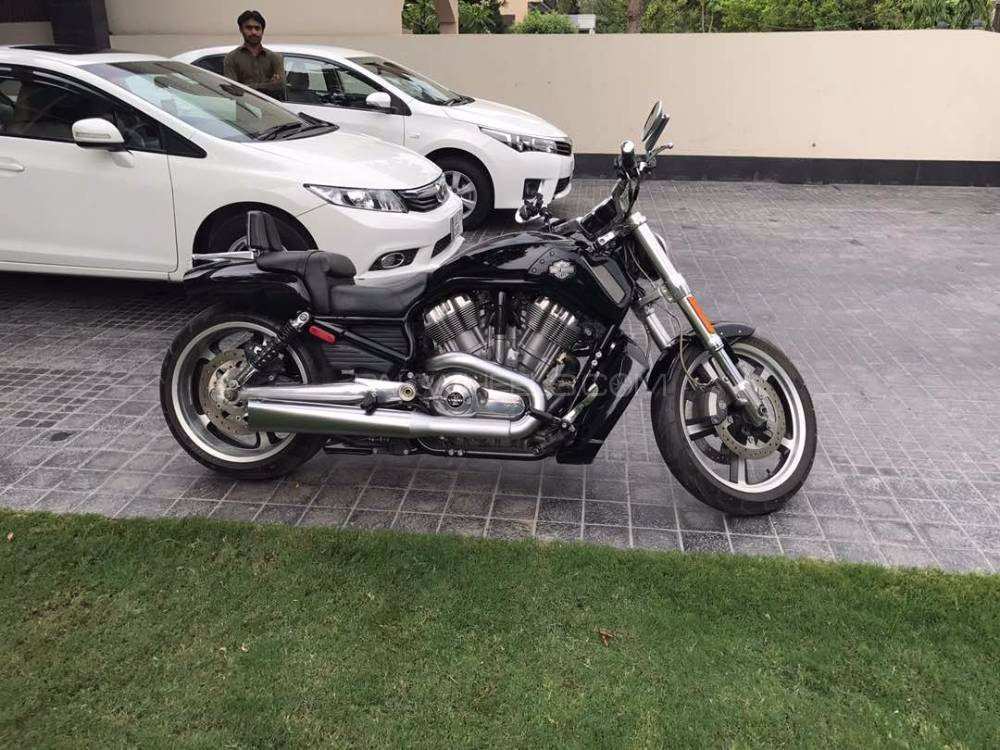 used harley davidson v rod muscle 2012 bike for sale in lahore 186930 pakwheels. Black Bedroom Furniture Sets. Home Design Ideas