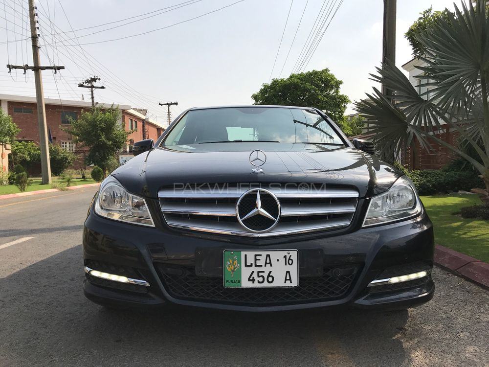 Mercedes benz c class c180 2013 for sale in lahore pakwheels for Mercedes benz valencia service
