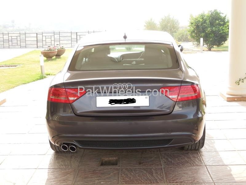 Audi A5 2011 Image-1