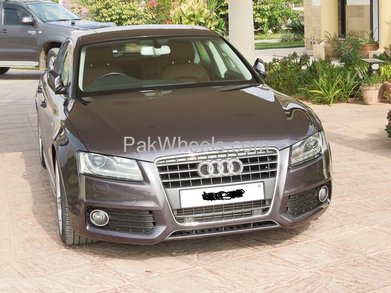 Audi A5 2011 Image-2