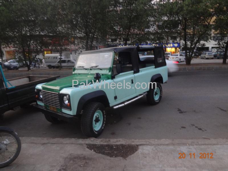 Land Rover Defender 90 SW 1991 Image-6