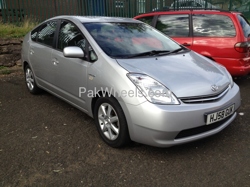 toyota prius 2008 for sale in lahore pakwheels. Black Bedroom Furniture Sets. Home Design Ideas