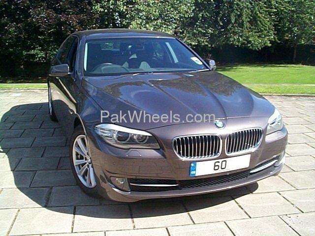 BMW 5 Series 525i 2010 Image-3