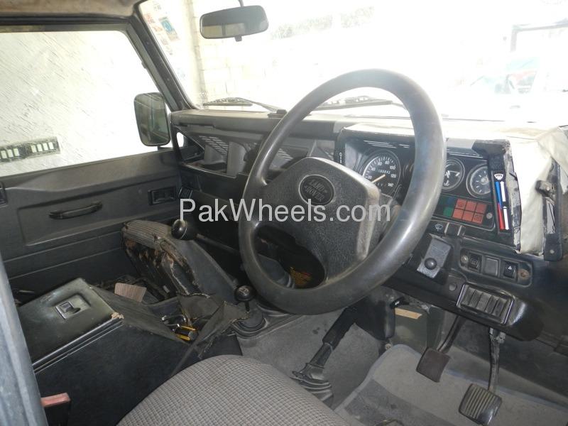 Land Rover Defender 1996 Image-3