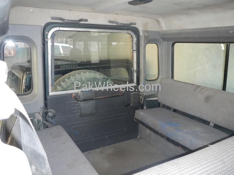 Land Rover Defender 1996 Image-5