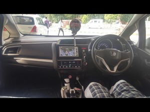 Slide_honda-fit-hybrid-base-grade-1-5-2014-16905224