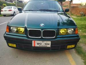 Slide_bmw-3-series-318i-2-1996-16919288