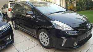 Slide_toyota-prius-alpha-s-l-selection-2014-16971354