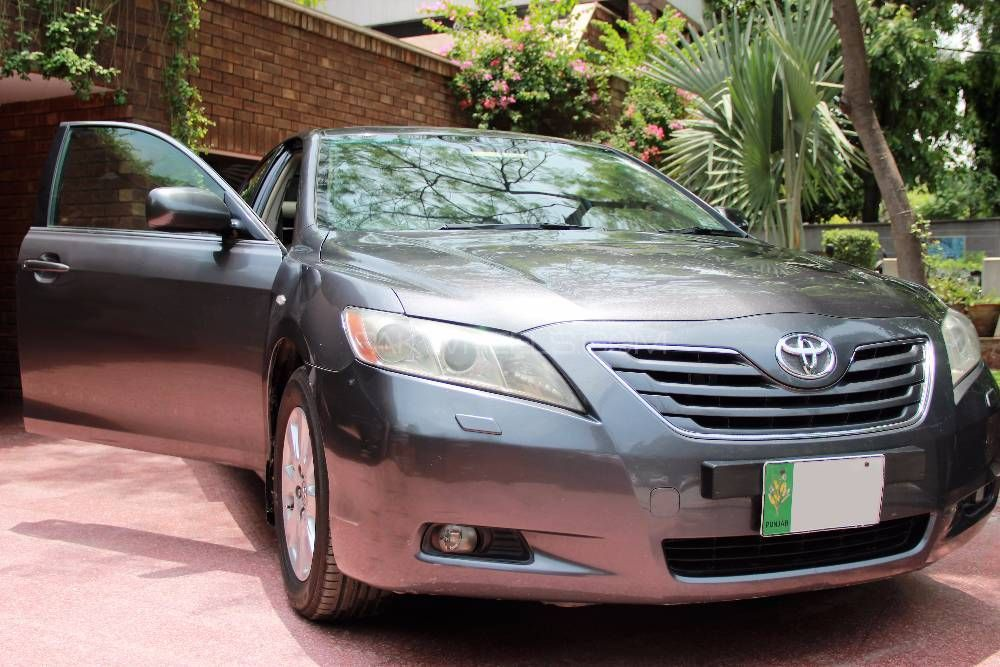 toyota camry up spec automatic 2 4 2007 for sale in lahore. Black Bedroom Furniture Sets. Home Design Ideas