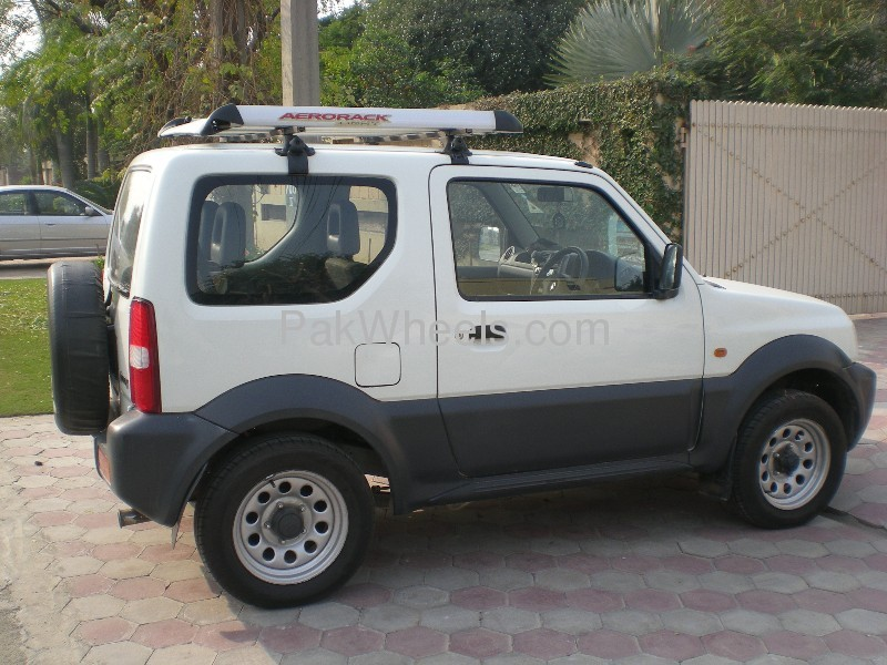 Suzuki Jimny JLDX 2008 Image-4