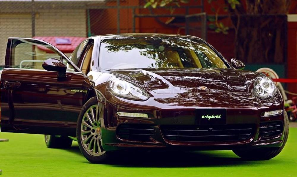 porsche panamera s e hybrid 2014 for sale in islamabad pakwheels. Black Bedroom Furniture Sets. Home Design Ideas