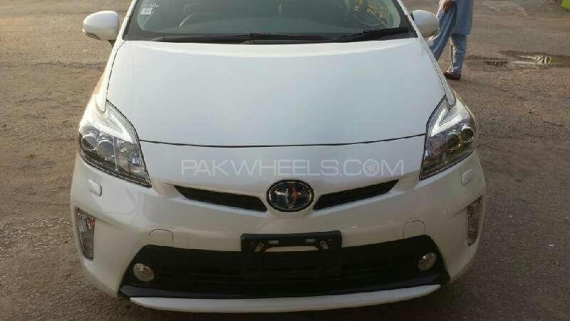 Toyota Prius G Touring Selection 1.8 2014 Image-1