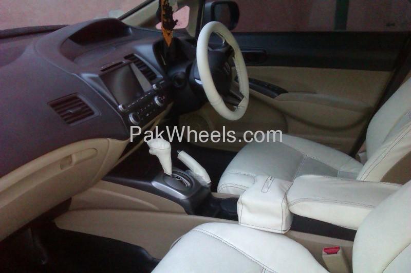 Honda Civic VTi Oriel Prosmatec 1.8 i-VTEC 2011 Image-9