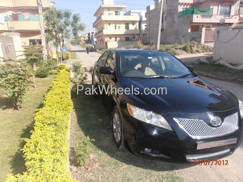 Toyota Camry Up-Spec Automatic 2.4 2006 Image-2