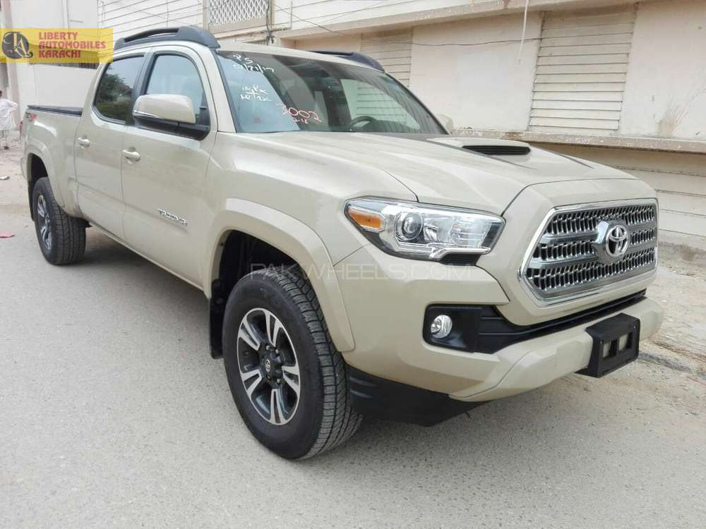 used toyota tacoma for sale at liberty automobiles karachi showroom in karachiliberty automobiles. Black Bedroom Furniture Sets. Home Design Ideas