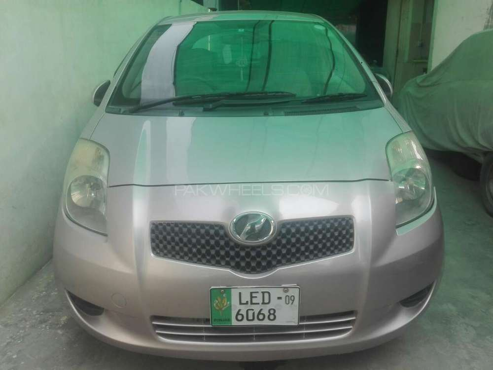Toyota Vitz B 1.0 2006 Image-1