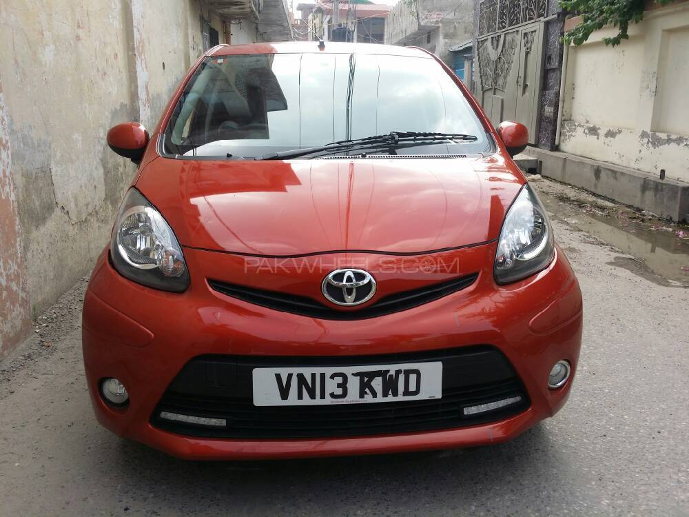 Toyota Aygo Standard 2013 Image-1