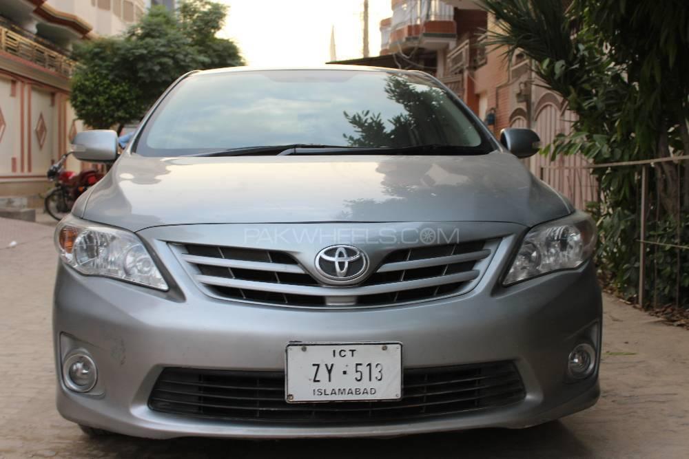 Toyota Corolla GLi 1.3 VVTi Ecotec  2013 Image-1