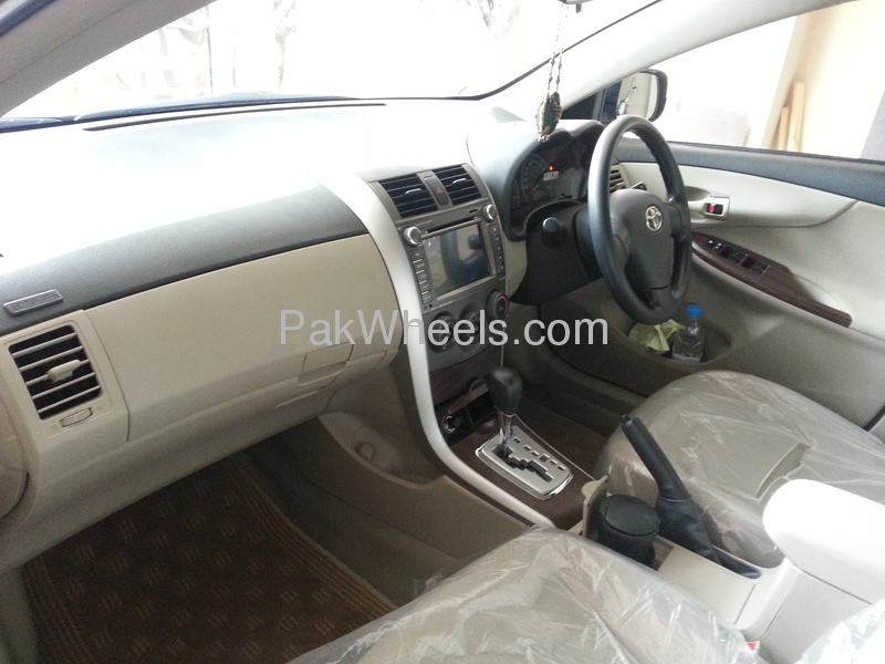 Toyota Corolla GLi Automatic Limited Edition 1.6 VVTi 2012 Image-5