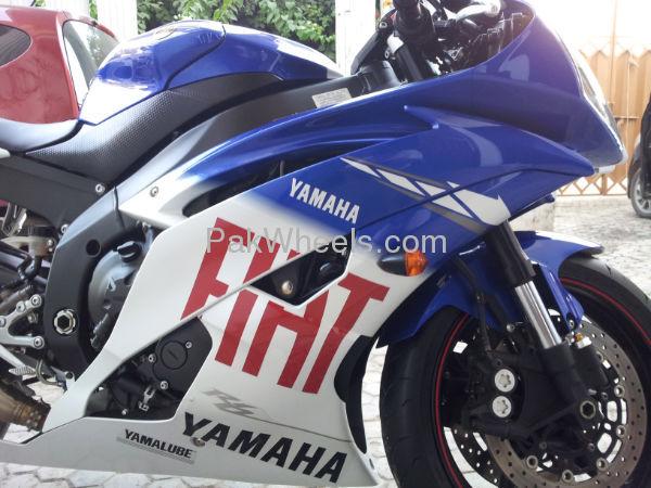 Yamaha YZF-R1 2010 Image-1