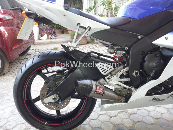Yamaha YZF-R1 2010 Image-2