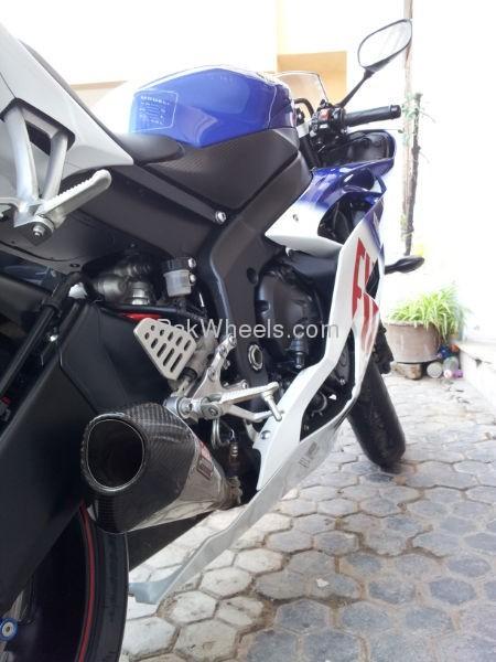 Yamaha YZF-R1 2010 Image-4