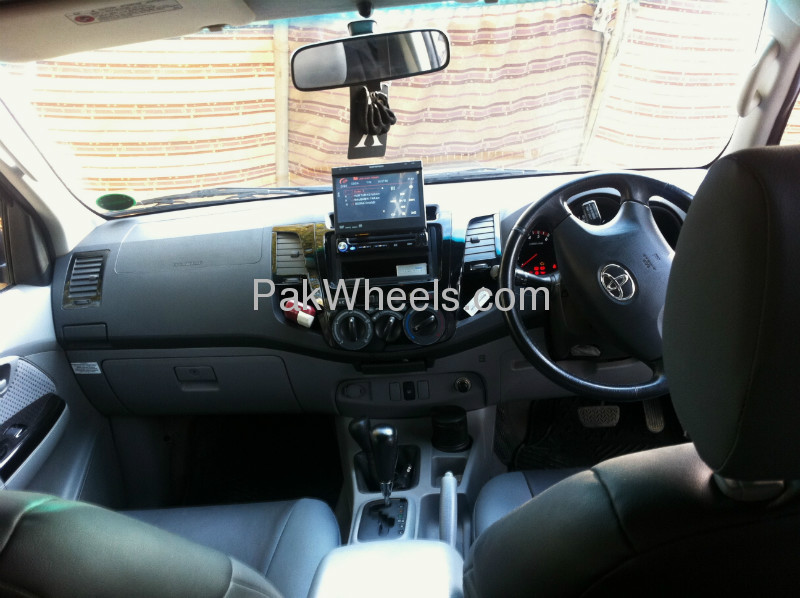 Toyota Hilux 2009 Image-5