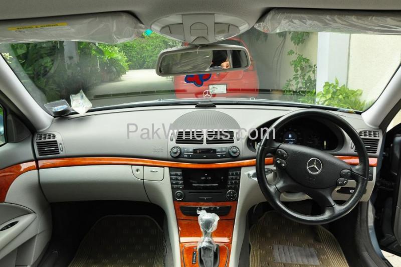 Mercedes Benz E Class 2007 Image-4