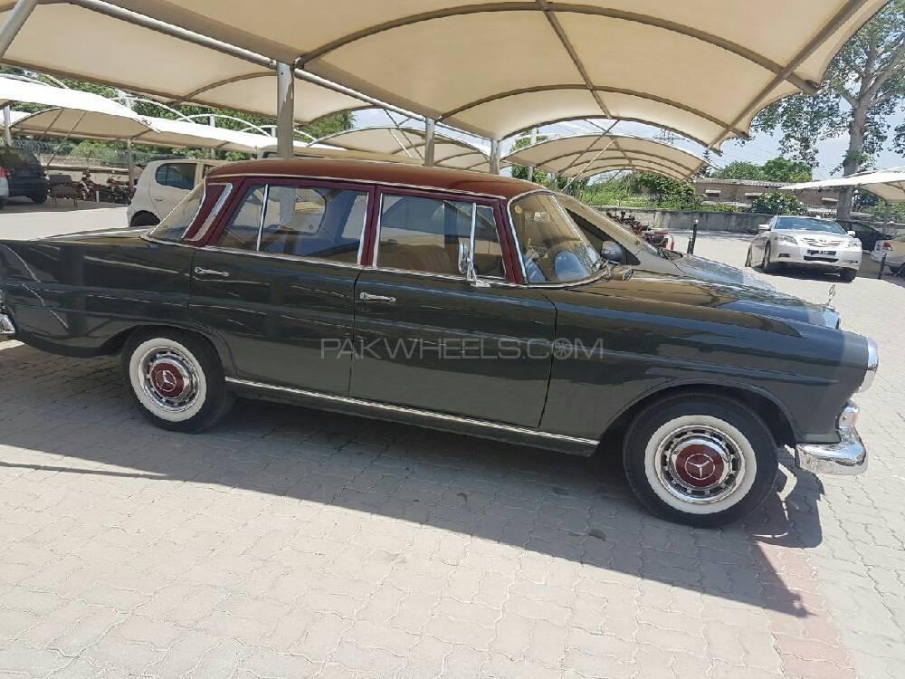 mercedes benz 200 d 1965 for sale in islamabad pakwheels. Black Bedroom Furniture Sets. Home Design Ideas