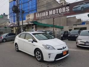 toyota prius cars for sale in pakistan verified car ads