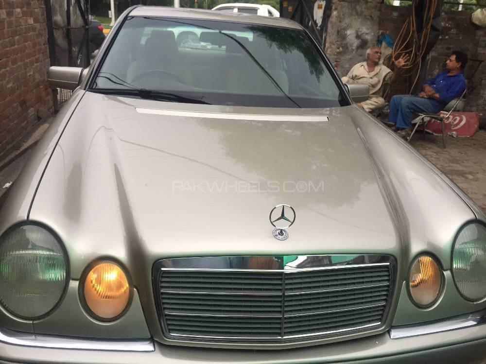 Mercedes Benz E Class E230 1997 Image-1