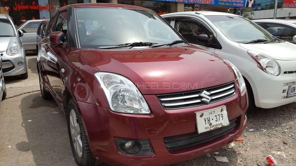 Suzuki Swift DLX Automatic 1.3 2013 Image-1