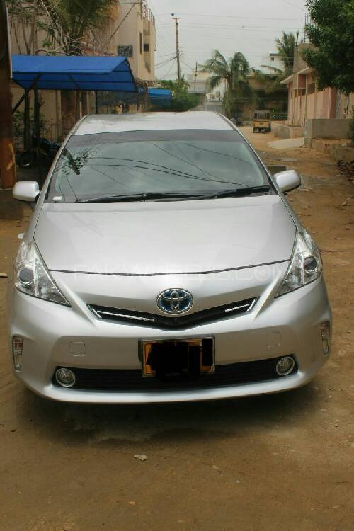 Toyota Prius A 2016 Image-1