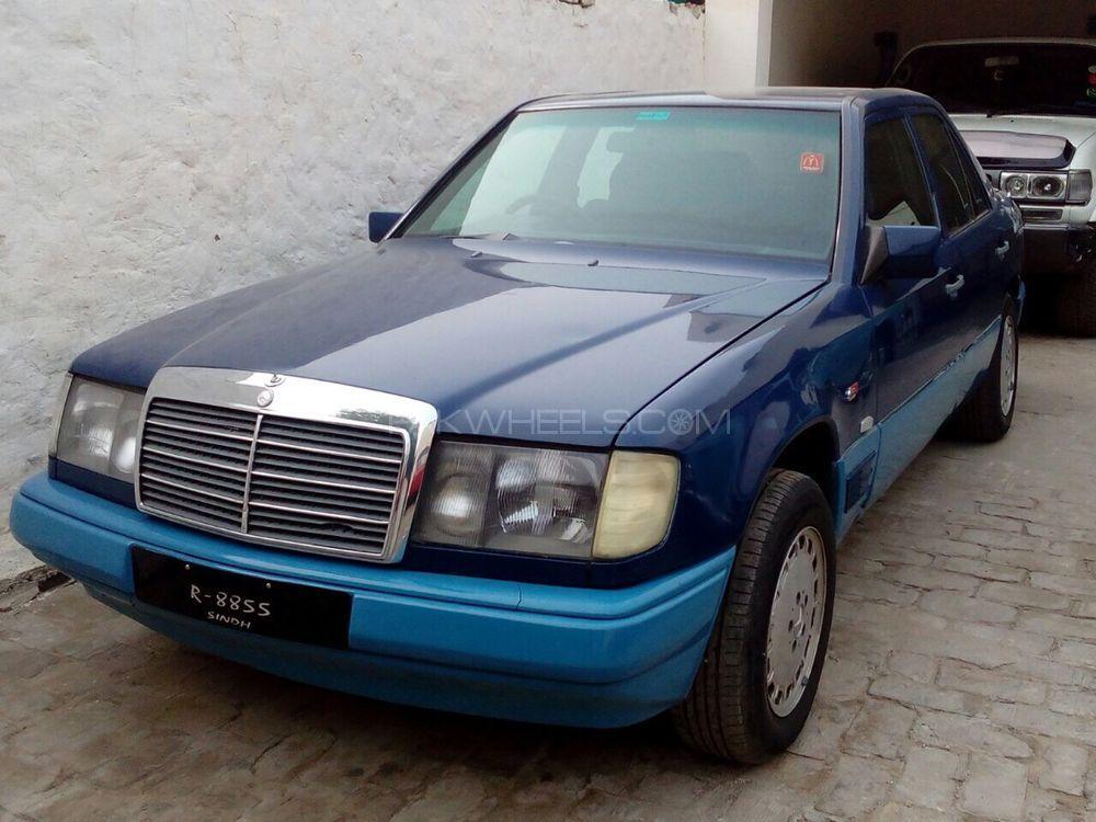 Mercedes Benz E Class E200 1987 Image-1