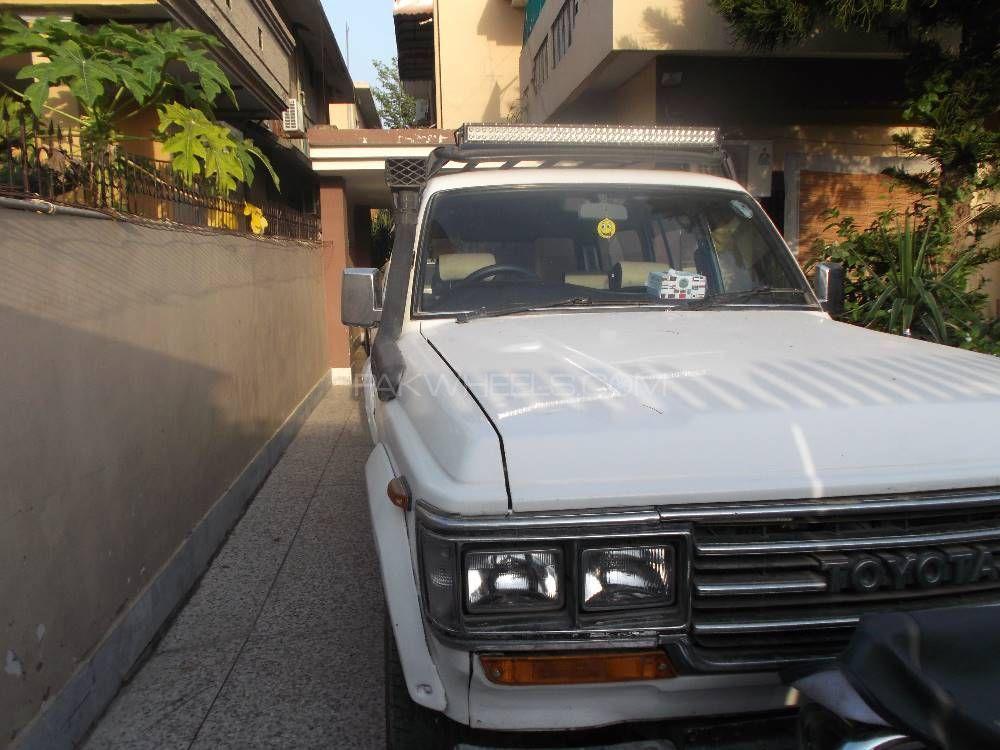 Toyota Land Cruiser 1988 Image-1