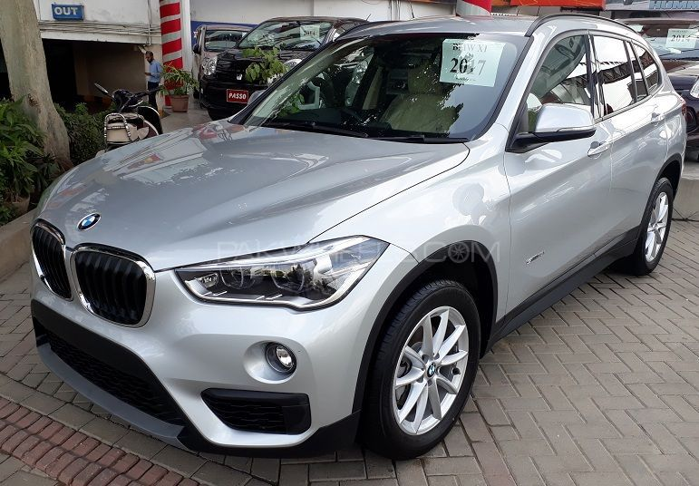 bmw x1 sdrive18i 2017 for sale in karachi pakwheels. Black Bedroom Furniture Sets. Home Design Ideas