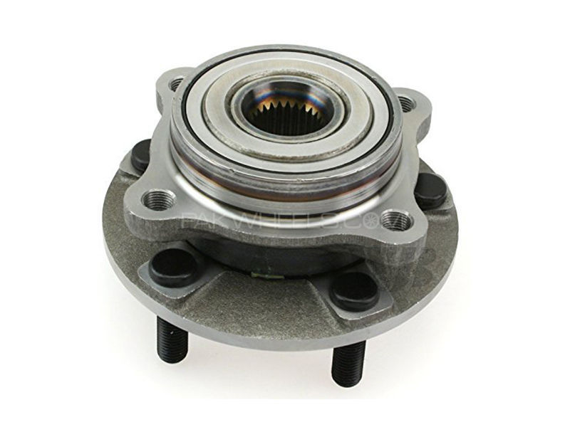 Front Wheel Hub Toyota Land Cruiser 2013-2016 in Lahore