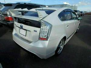 Slide_toyota-prius-s-touring-selection-my-coorde-1-8-2014-17994380