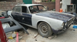 Slide_jaguar-xj6-2-1974-18082629