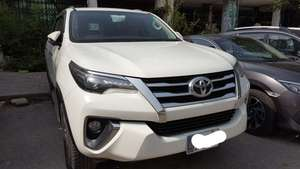 Slide_toyota-fortuner-2-7-automatic-2017-18236586