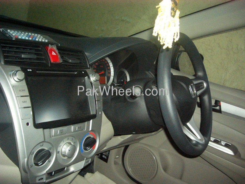Honda City Aspire 1.5 i-VTEC 2012 Image-7