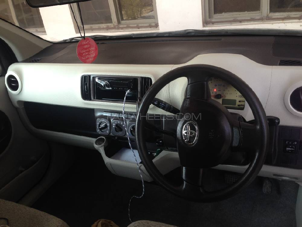 Toyota Passo X 2011 Image-1