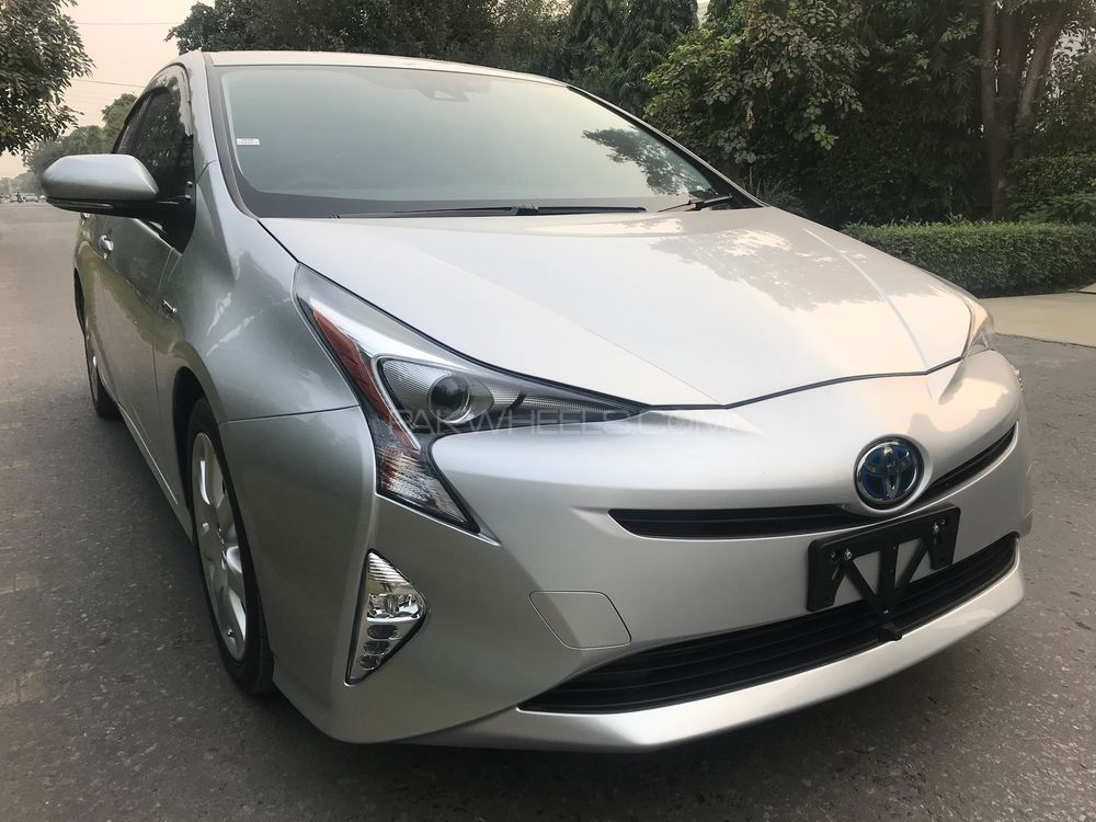 Toyota Prius S Touring Selection 2016 Image-1