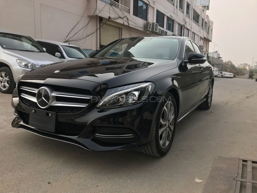 mercedes benz c class c180 2014 for sale in islamabad. Black Bedroom Furniture Sets. Home Design Ideas