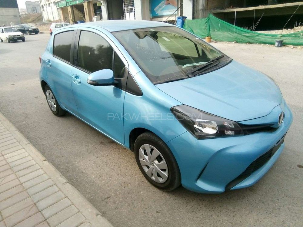used toyota vitz for sale at 11th way cars rawalpindi showroom in rawalpindi. Black Bedroom Furniture Sets. Home Design Ideas