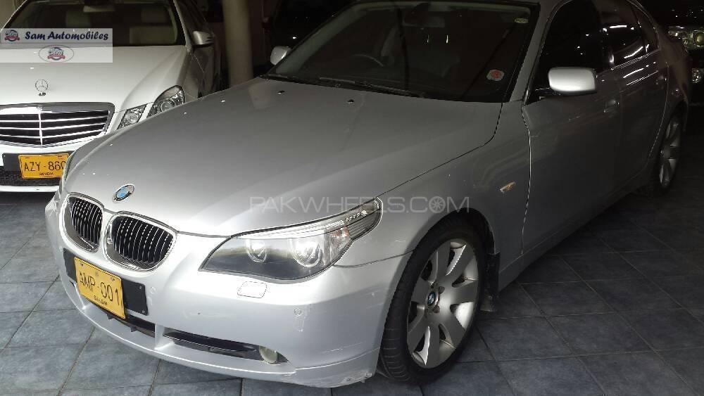 BMW 5 Series 545i 2004 Image-1