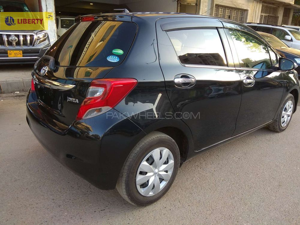 TOYOTA VITZ JEWELA BLACK 2014 FRESH CLEARED FULL HOUSE TOP OF DA LINE