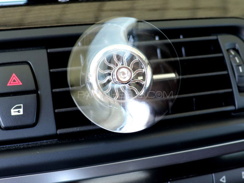 Classic Aircraft Vent Clip Air Freshener - Silver Image-1