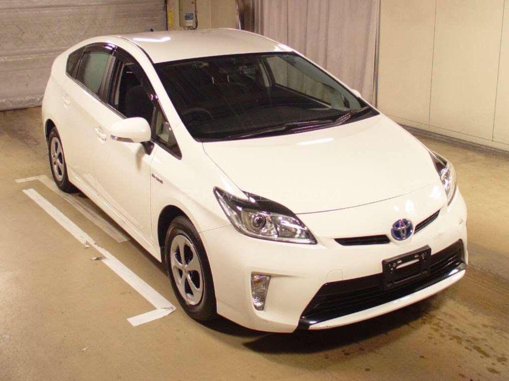 Toyota Prius S 1.8 2014 Image-1